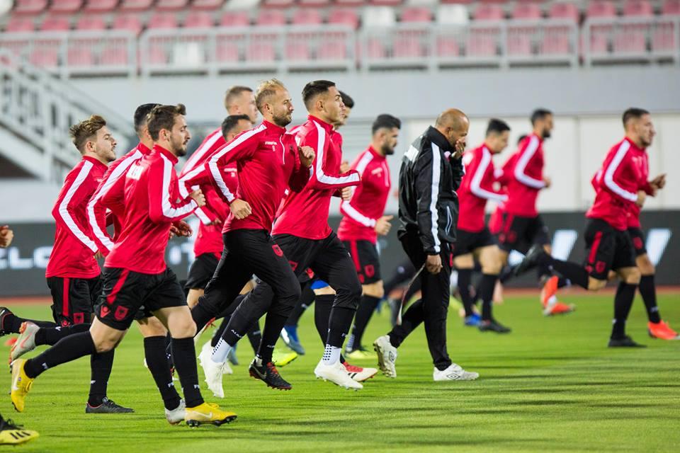 Shqipëria befason të gjithë me trajnerin e ri