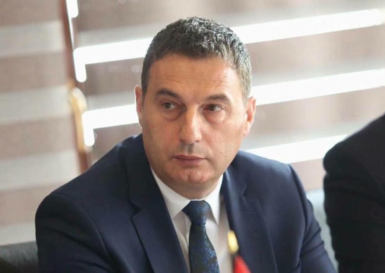 Ministri Bytyqi thotë se SBASHK-u s'mund të marrë vendime për kompensim të orëve