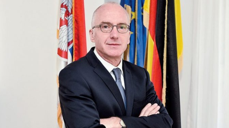 Gjermania i bën thirrje Kosovës të heq taksën