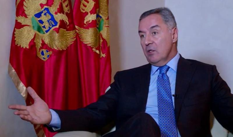 Gjukanoviq kërkon që Prishtina dhe Beogradi të vazhdojnë dialogun e Brukselit