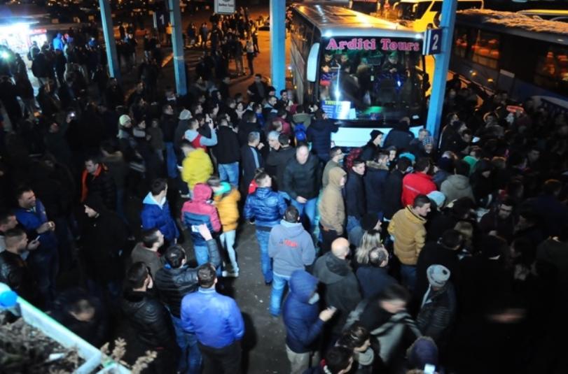 Rreth 170 mijë qytetarë lëshuan Kosovën për 5 vjet