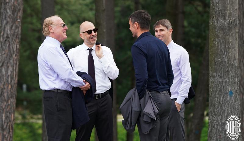 Mblidhen drejtuesit e Milan  diskutojnë për uljen e pagave